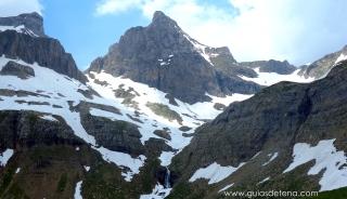 Pico de Aspe y cresta del Murciélago.
