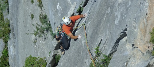 https://fedesanse.files.wordpress.com/2013/09/curso-escalada-portada-02.jpg?w=513&h=225