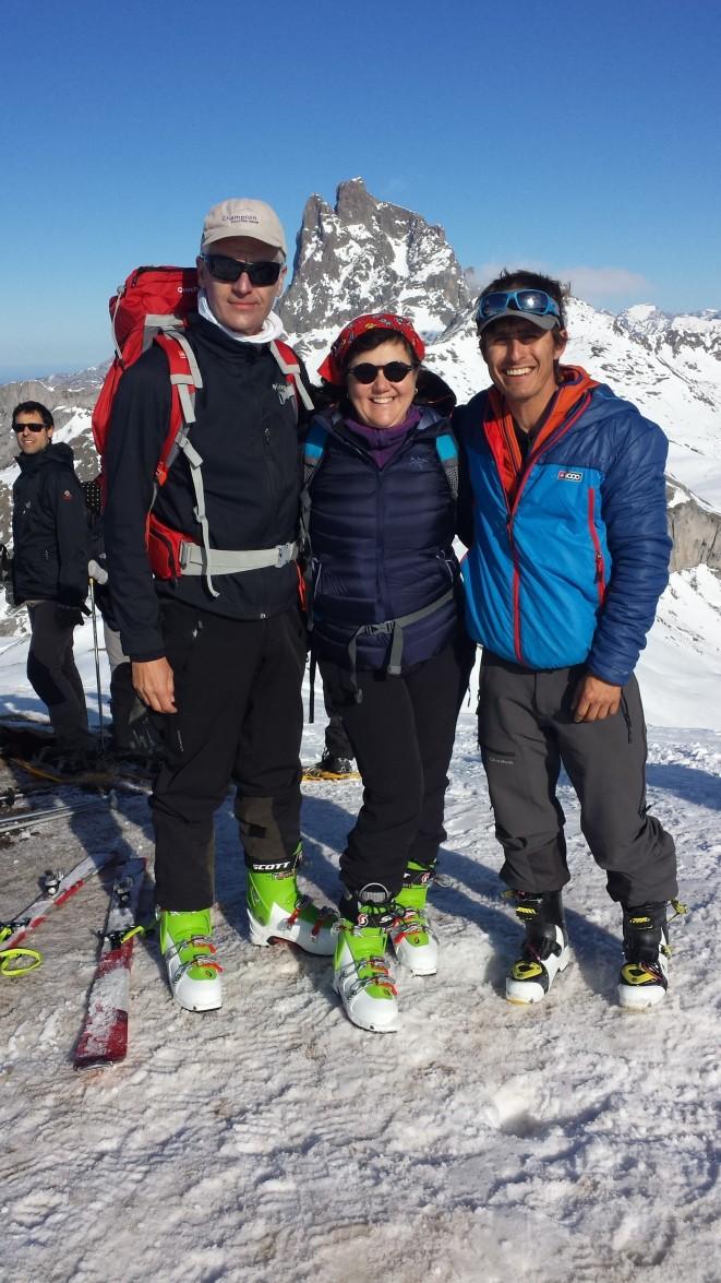 Miguel, Rosa y Fede San Sebastián en el la cumbre del Canal Roya