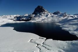 Midi d'Ossau y lac Gentau