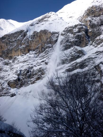 Avalancha de nieve reciente