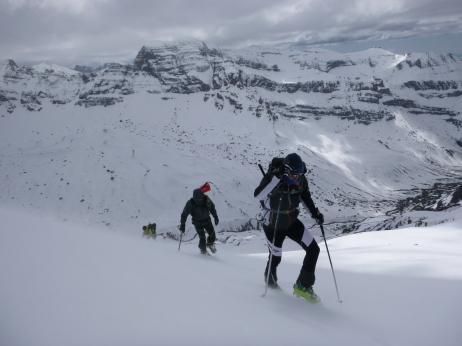 Últimos metros de la cumbre de Arroyeras con crampones
