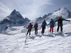 Por el glaciar de Stockji